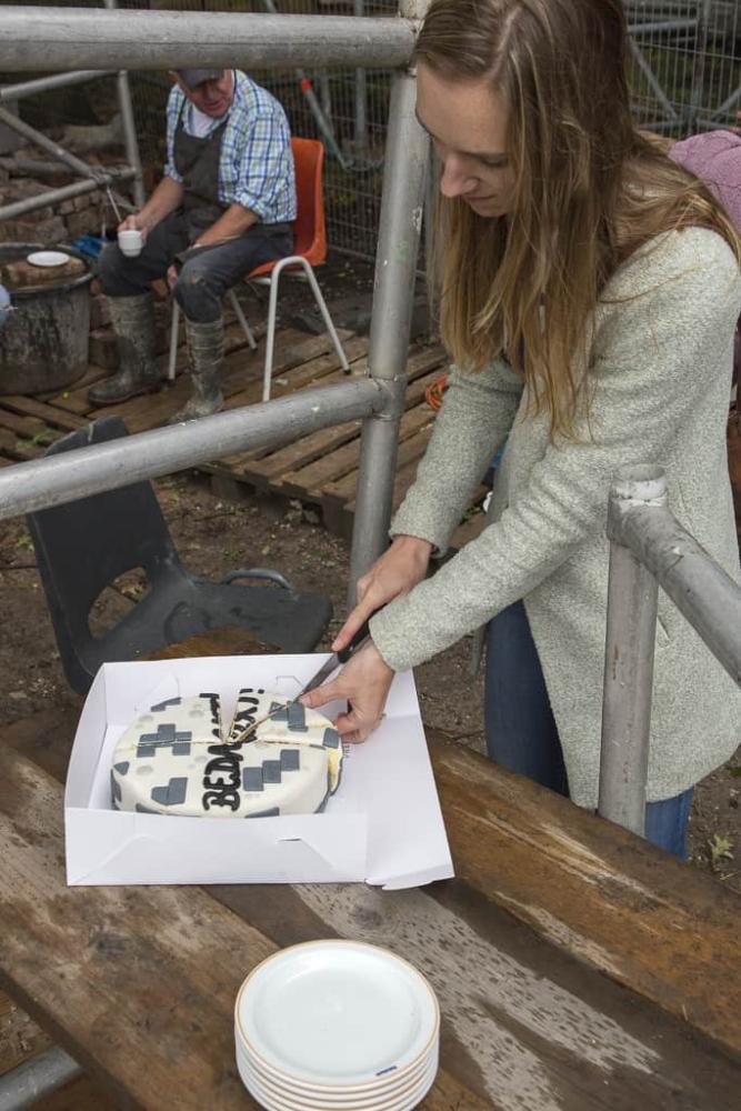 Herstel St. Urbanus Bovenkerk - stenenbikkers in zonnetje gezet